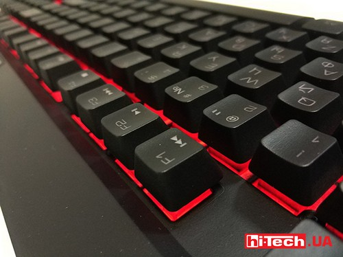 Tt eSPORTS Commander Combo Multi-Light keyb 06